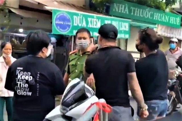 Cặp vợ chồng gây rối tại chợ Yên Phụ bị xử lý ra sao? - Ảnh 1.