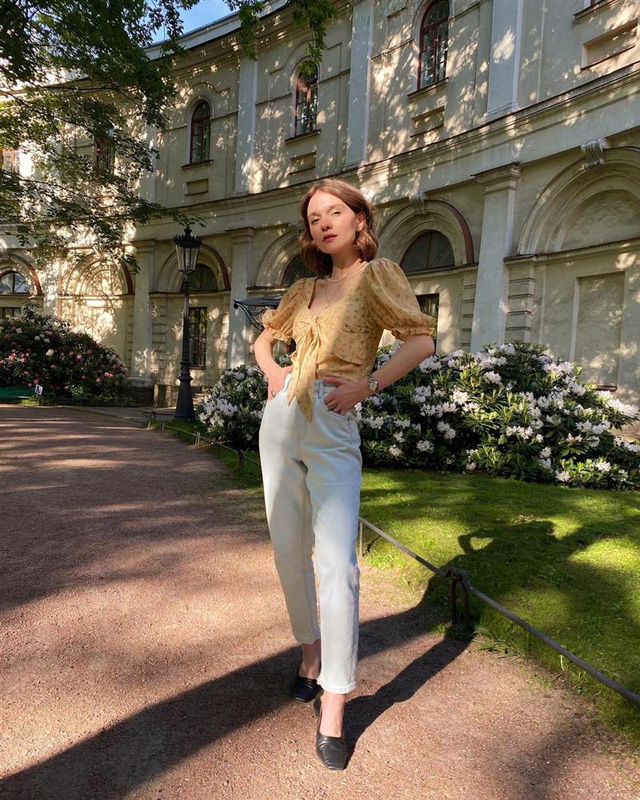 4 tips mặc đẹp tôn dáng từ cô nàng người Nga cao 1m50: Chỉ cần vài món chủ chốt là đủ cân hết các style - Ảnh 6.
