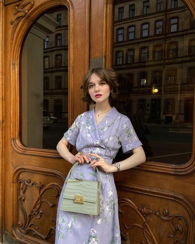 4 tips mặc đẹp tôn dáng từ cô nàng người Nga cao 1m50: Chỉ cần vài món chủ chốt là đủ cân hết các style - Ảnh 9.