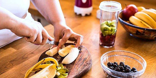 5 nhóm thực phẩm tuyệt đối không nên ăn trước khi tập thể dục - Ảnh 2.