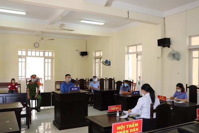 Phú Yên: Hai thanh niên bị phạt tù do vi phạm phòng chống dịch Covid-19 - Ảnh 2.