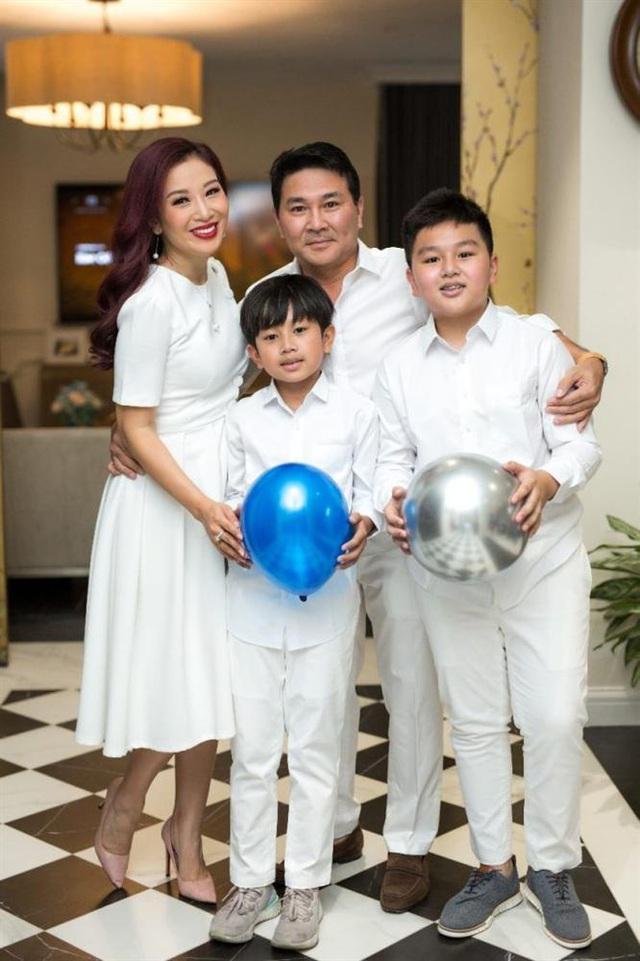 Hoa khôi Thu Hương: 16 tuổi kiếm tiền, 21 tuổi là CEO, 27 tuổi lấy đại gia - Ảnh 5.