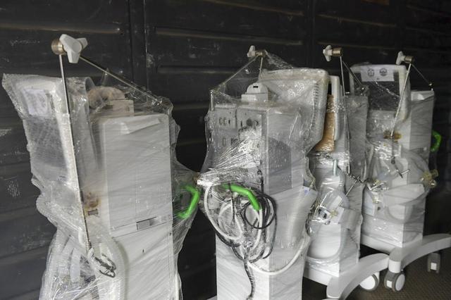 6h sáng mai, tàu chở 10 tấn thiết bị y tế từ Hà Nội vào TP.HCM - Ảnh 4.