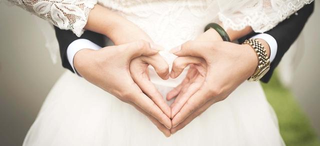 Chồng đánh cược với vợ sẽ nắm tay nhau đi hết cuộc đời với 7 quy tắc vàng  - Ảnh 2.
