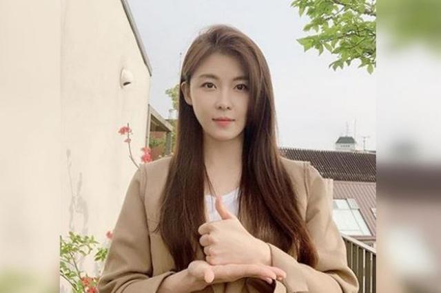 Quy tắc rửa mặt giúp đẹp da của các nữ thần mặt mộc xứ Hàn - Ảnh 1.