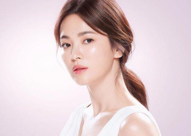 Quy tắc rửa mặt giúp đẹp da của các nữ thần mặt mộc xứ Hàn - Ảnh 2.