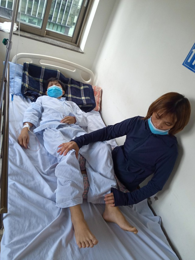 Xót xa cảnh bố vừa bị bệnh viện trả về vì không chữa được nữa, con lại phát hiện bị bệnh ung thư máu - Ảnh 5.