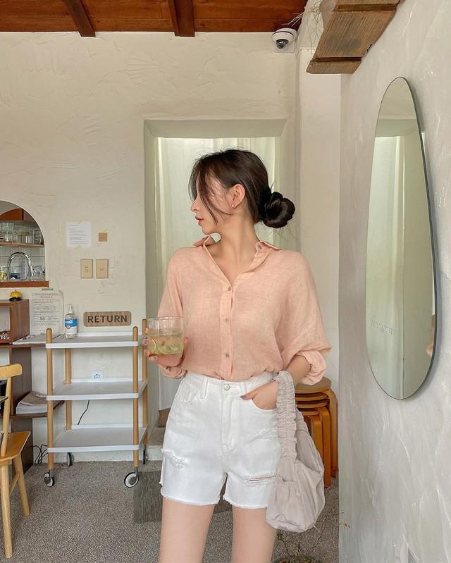 3 kiểu cổ áo giúp nàng công sở hack dáng và thon gọn cực đỉnh - Ảnh 7.