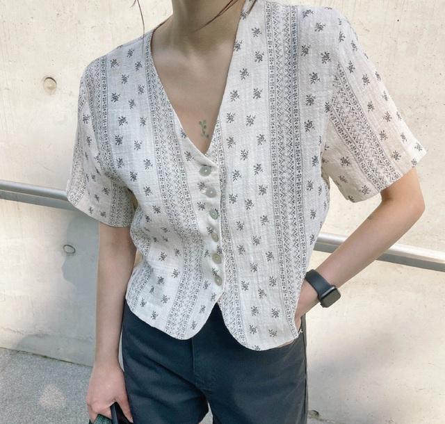 3 kiểu cổ áo giúp nàng công sở hack dáng và thon gọn cực đỉnh - Ảnh 11.