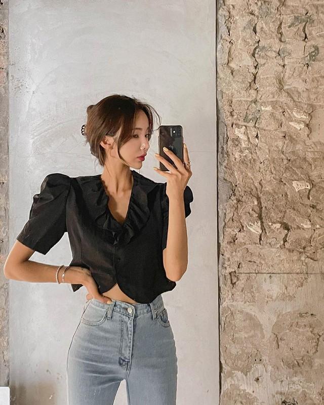 3 kiểu cổ áo giúp nàng công sở hack dáng và thon gọn cực đỉnh - Ảnh 10.
