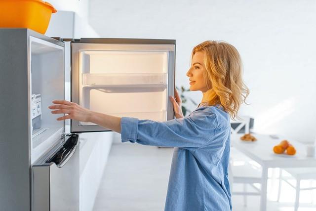 Mua tủ lạnh đừng chỉ nhìn bảng giá, đây mới là điểm quyết định - Ảnh 1.