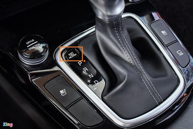 Những nút bấm trên ôtô ít người biết đến - Ảnh 1.
