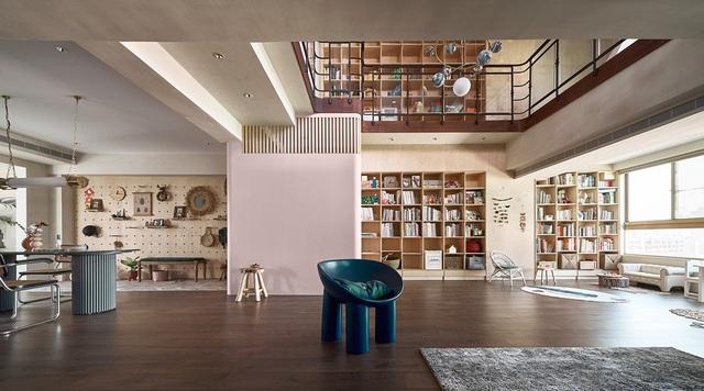 Ông bố KTS cải tạo căn hộ rộng thoáng để giúp 3 con thỏa sức vui chơi trong nhà - Ảnh 2.