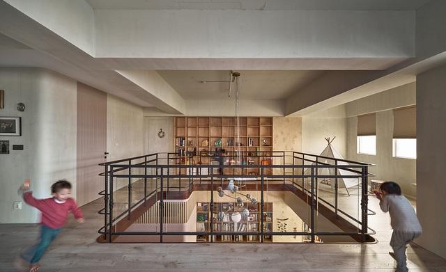 Ông bố KTS cải tạo căn hộ rộng thoáng để giúp 3 con thỏa sức vui chơi trong nhà - Ảnh 5.