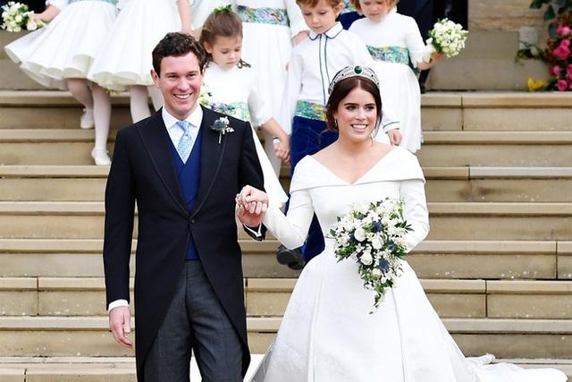 Chồng công chúa Anh lộ ảnh thân mật với người khác, dính nghi án ngoại tình khi vợ mới sinh 5 tháng - Ảnh 6.