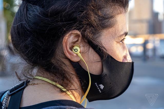 Những tai nghe không dây đáng mua, giá dưới 2 triệu đồng - Ảnh 10.