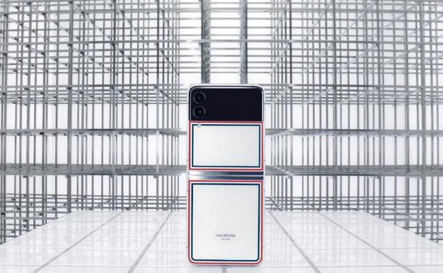 Galaxy Z Fold3 trình làng: Bền hơn, mạnh mẽ hơn nhưng giá không mềm hơn - Ảnh 36.