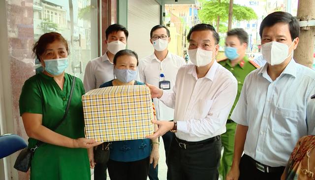 """Tiêm vaccine và xét nghiệm diện rộng là """"hai mũi chủ công"""" chống dịch của Hà Nội ngay lúc này - Ảnh 3."""