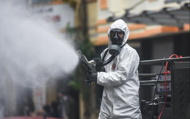 Bộ Y tế: Không phun hóa chất, chế phẩm diệt virus SARS-CoV-2 khu vực ngoài trời hay vào người - Ảnh 3.