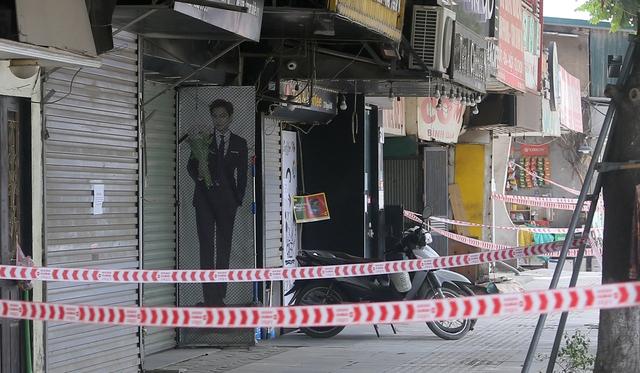 Hà Nội: Liên tiếp phát hiện người mắc COVID-19, các chốt kiểm soát ngõ 328, 330 Nguyễn Trãi thắt chặt - Ảnh 6.