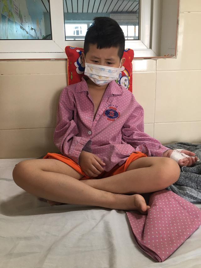 Lời khẩn cầu của người mẹ có con trai bị ung thư, con gái bị bệnh tim cần tiền điều trị - Ảnh 2.