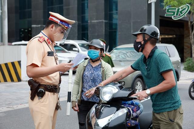 Từ ngày mai, Hà Nội áp dụng hàng loạt biện pháp chống dịch cao hơn mức bình thường - Ảnh 3.