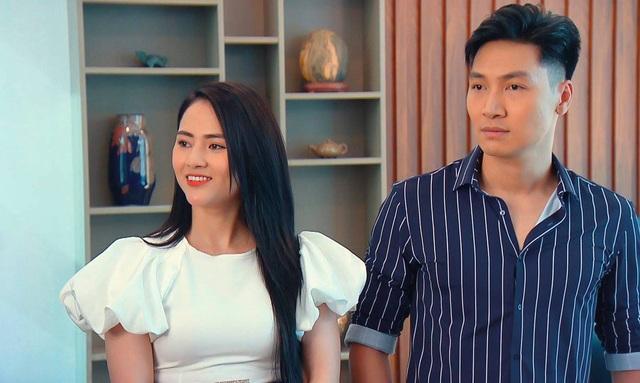 """Thân thế bất ngờ của Thanh Vân - cô gái nóng bỏng nhất phim """"Hương vị tình thân"""" - Ảnh 2."""