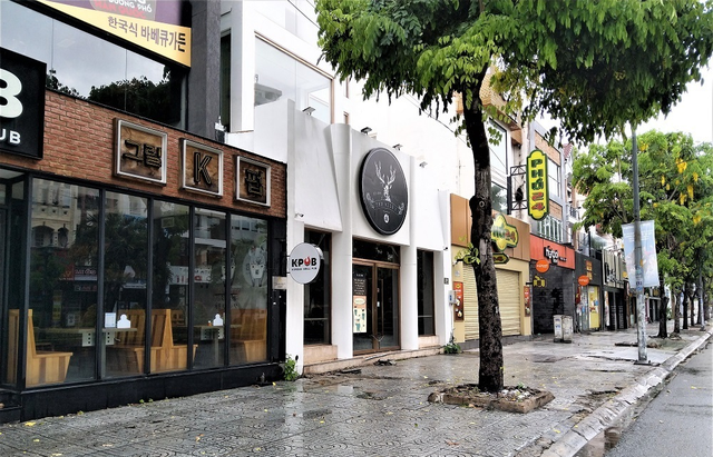 Lý do đằng sau việc hàng quán ở Sài Gòn không mặn mà mở cửa dù đã được phép kinh doanh trở lại - Ảnh 1.