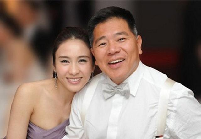 Lê Tư tuổi 50 giàu sang sau khi lấy chồng tỷ phú tật nguyền - Ảnh 10.