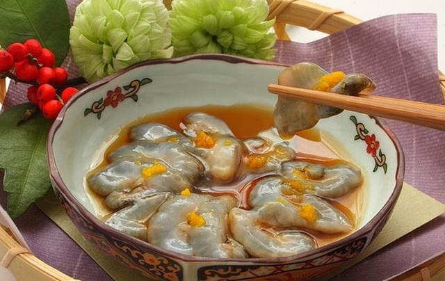 Bốn đặc sản Việt xấu hết phần thiên hạ, giá bạc triệu hút khách sành ăn - Ảnh 5.