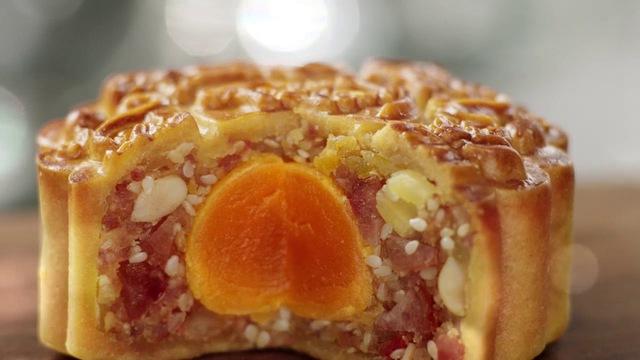 6 KHÔNG khi ăn bánh trung thu tưởng đơn giản nhưng rất nhiều người mắc, nên tuân thủ để hạn chế rước bệnh vào thân - Ảnh 3.