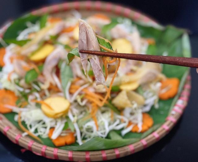 Đơn giản dễ làm món gỏi gà bắp cải - Ảnh 3.