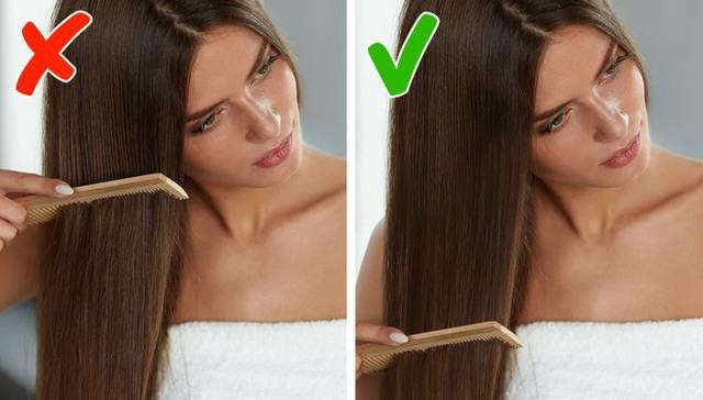 Bỏ ngay thói quen chải tóc từ gốc xuống ngọn đi, đọc lý do bạn sẽ thấy đó là sai lầm tai hại đến nhường nào - Ảnh 1.