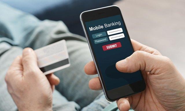 Tài khoản bị khóa, nhân viên ngân hàng gọi điện hướng dẫn mở, người đàn ông liền bị hack 900 triệu đồng vì làm theo - Ảnh 1.