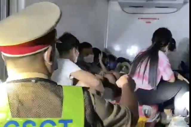 Thông tin mới nhất đầy nhân văn vụ nhét 15 người trong thùng xe đông lạnh thông chốt về quê  - Ảnh 3.