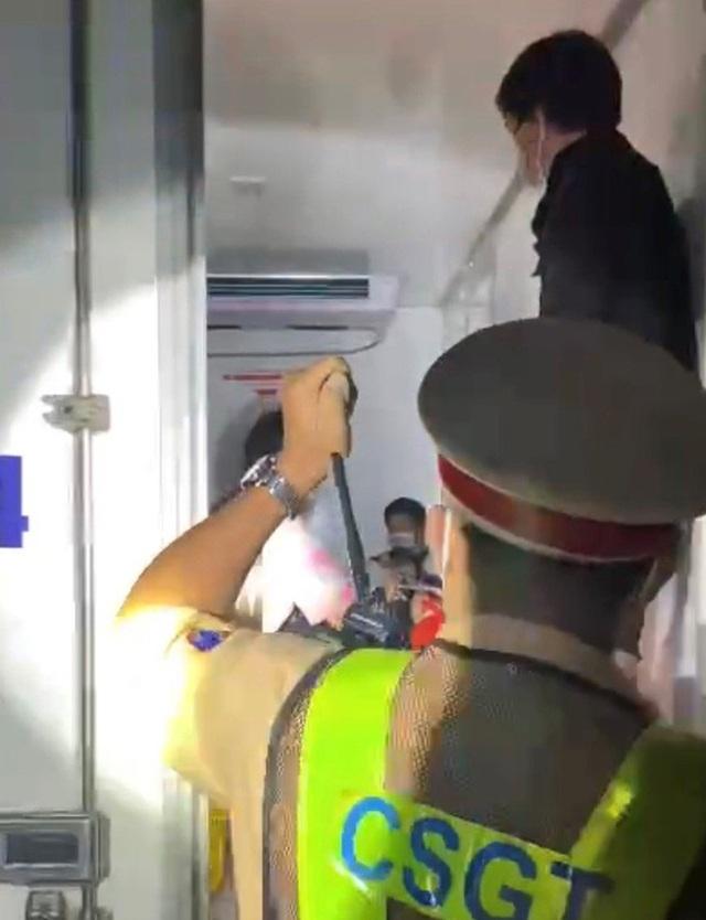 Thông tin mới nhất đầy nhân văn vụ nhét 15 người trong thùng xe đông lạnh thông chốt về quê  - Ảnh 5.