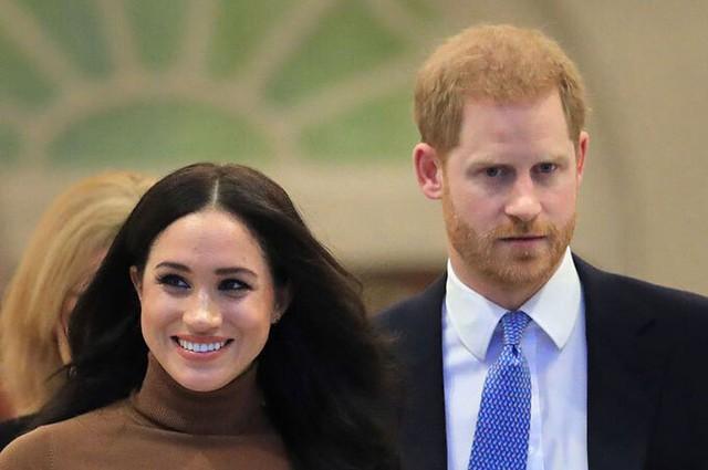 Chiến lược quyền riêng tư của nhà Harry sai lầm so với nhà William - Ảnh 2.