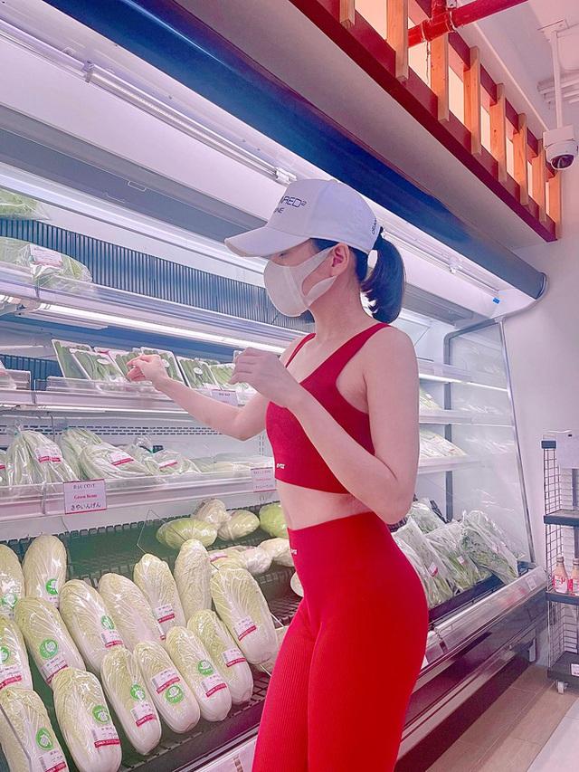 Bị chỉ trích vì loạt ảnh khoe vòng 3 ở siêu thị, Lệ Quyên nổi cơn thịnh nộ còn đòi tát antifan vì hỗn láo - Ảnh 2.