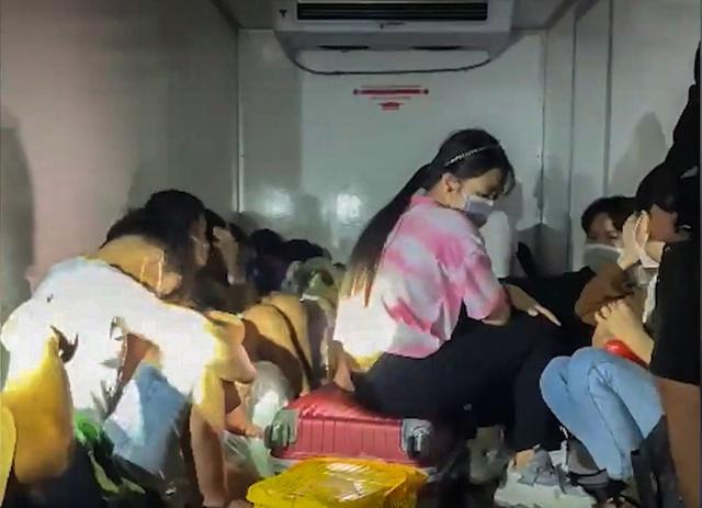 Vụ 15 người trong thùng xe đông lạnh thông chốt: Sẽ tiếp nhận các công dân về quê nhà - Ảnh 2.