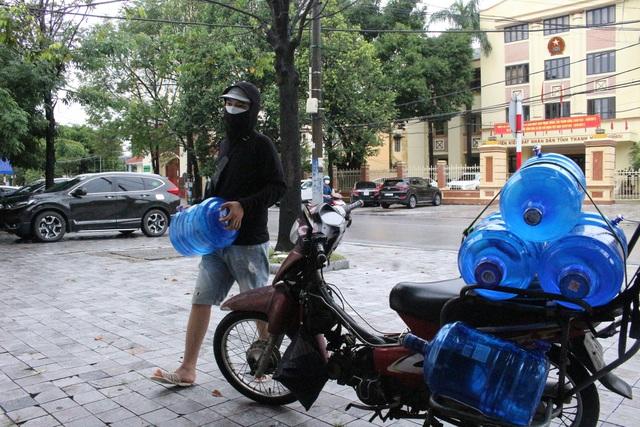 Nhịp sống người dân TP. Thanh Hóa dần trở lại sau 14 ngày thực hiện giãn cách - Ảnh 4.
