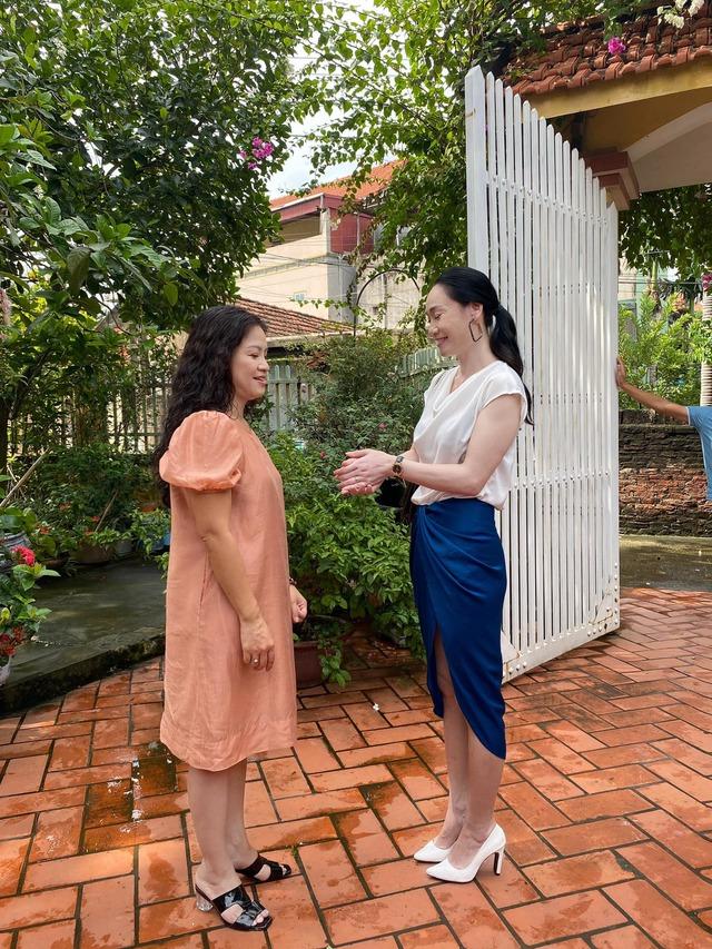 Hậu trường cười nghiêng ngả của dàn diễn viên Hương vị tình thân - Ảnh 8.
