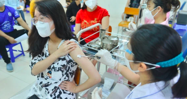 Phó Chủ tịch Hà Nội: Tăng cường kiểm tra, thanh tra công tác tiêm vaccine COVID-19 trên địa bàn - Ảnh 1.