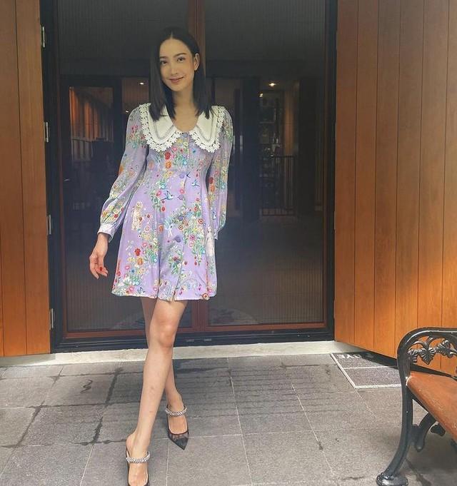 Mỹ nhân Thái Lan phối váy áo hoa đón thu không lo sến súa - Ảnh 3.