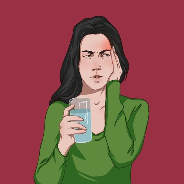 Sức khỏe sẽ bị ảnh hưởng như thế nào nếu tiêu thụ quá nhiều nước? - Ảnh 4.
