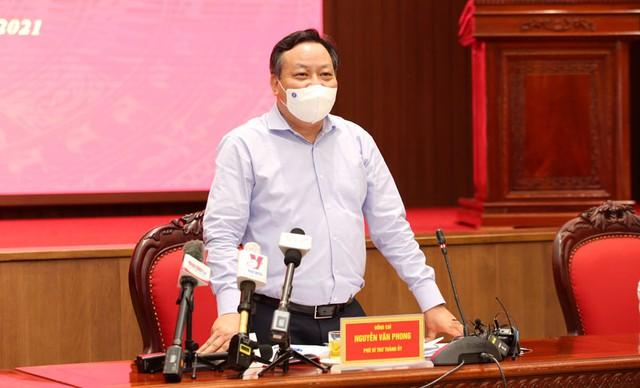 Khoảng giữa tháng 11, Hà Nội có thể bắt đầu cho phép học sinh, sinh viên trở lại trường học - Ảnh 1.
