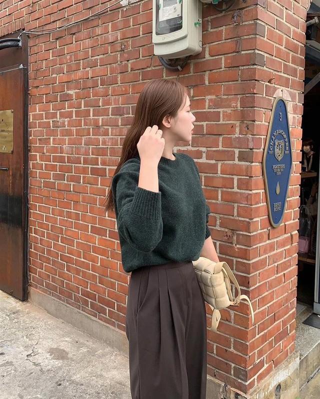 5 gam màu trang phục tôn da sáng bật tông, mặc lên còn sang xịn mịn như diện đồ hiệu - Ảnh 11.