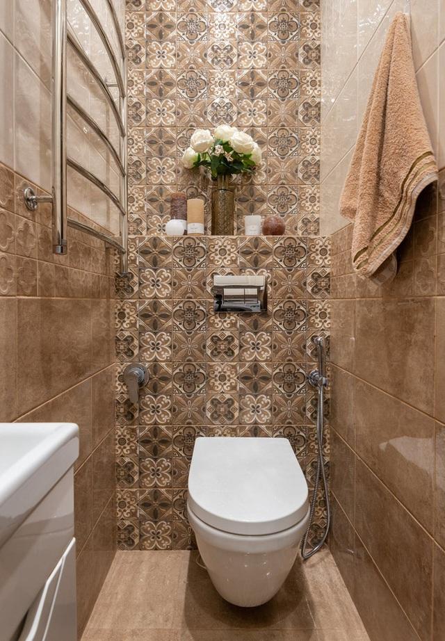 Đặt sai hướng cửa nhà vệ sinh có thể khiến tiền bạc đội nón ra đi? - Ảnh 1.