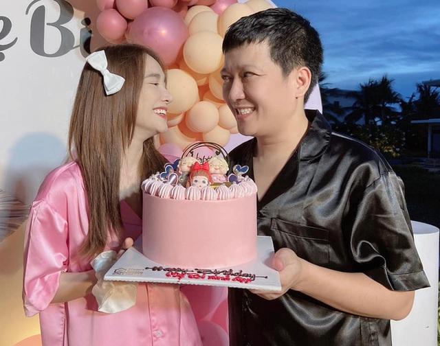 Nhã Phương đăng ảnh kỷ niệm 3 năm ngày cưới, biểu cảm lạ của Trường Giang gây chú ý - Ảnh 2.