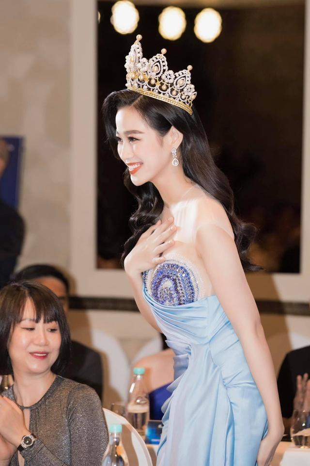 Hoa hậu Đỗ Thị Hà: Đã 4 tháng tôi không có thu nhập - Ảnh 2.