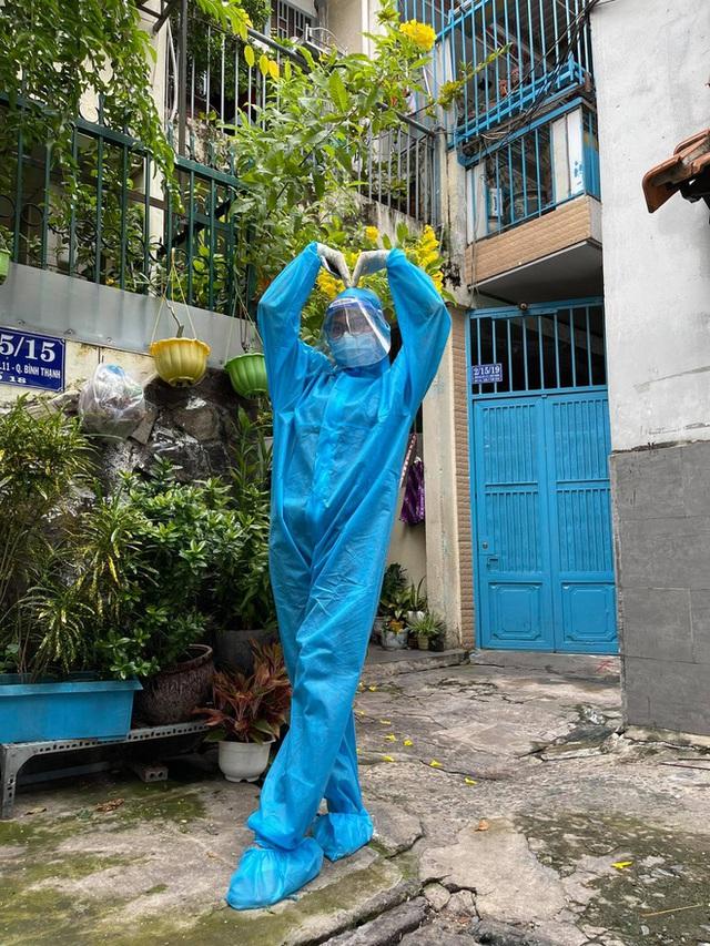 Hoa khôi Thùy Trang: Chừng nào Sài Gòn hết dịch, con về thăm nhà  - Ảnh 2.